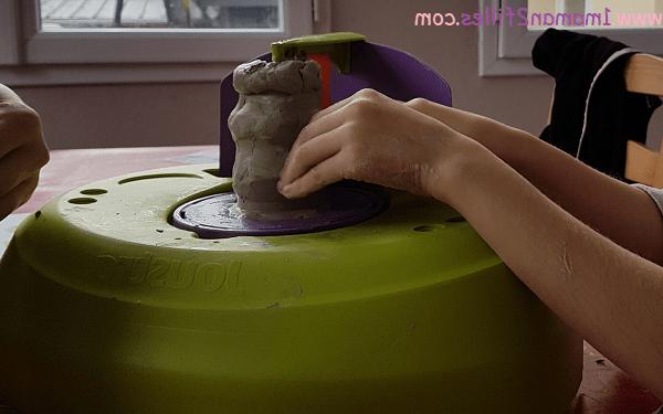 Comment faire de la poterie avec de l'argile ?