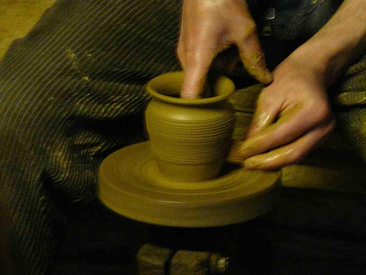 Comment on fait de la poterie ?