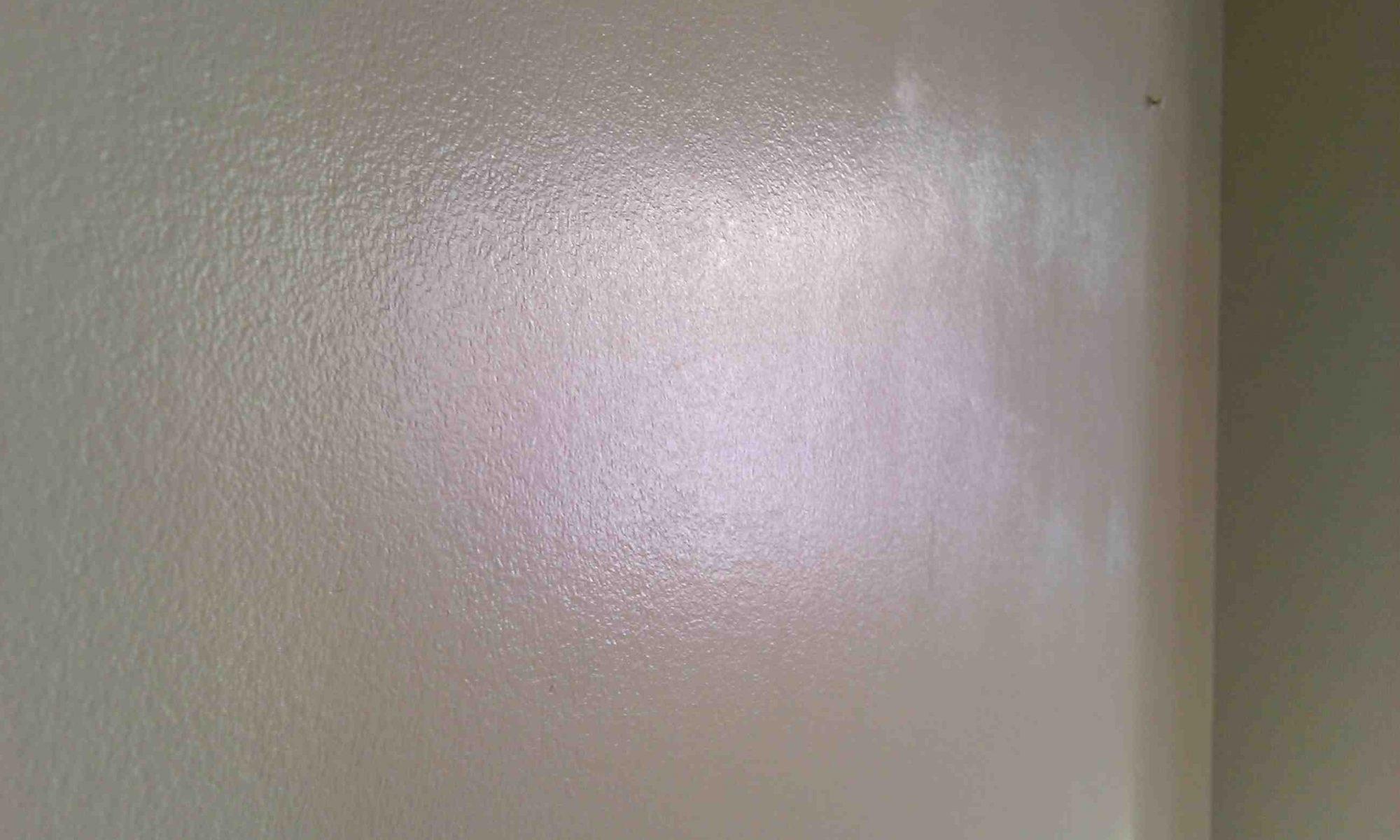 Comment peindre un mur sans faire de traces ?