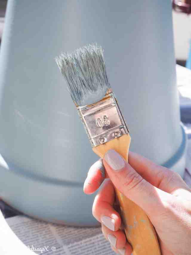 Quelle peinture pour peindre de l'argile ?